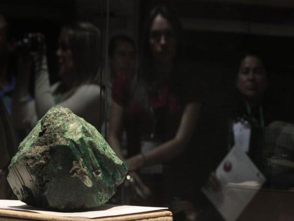 A maior esmeralda do mundo pesa 2 quilos