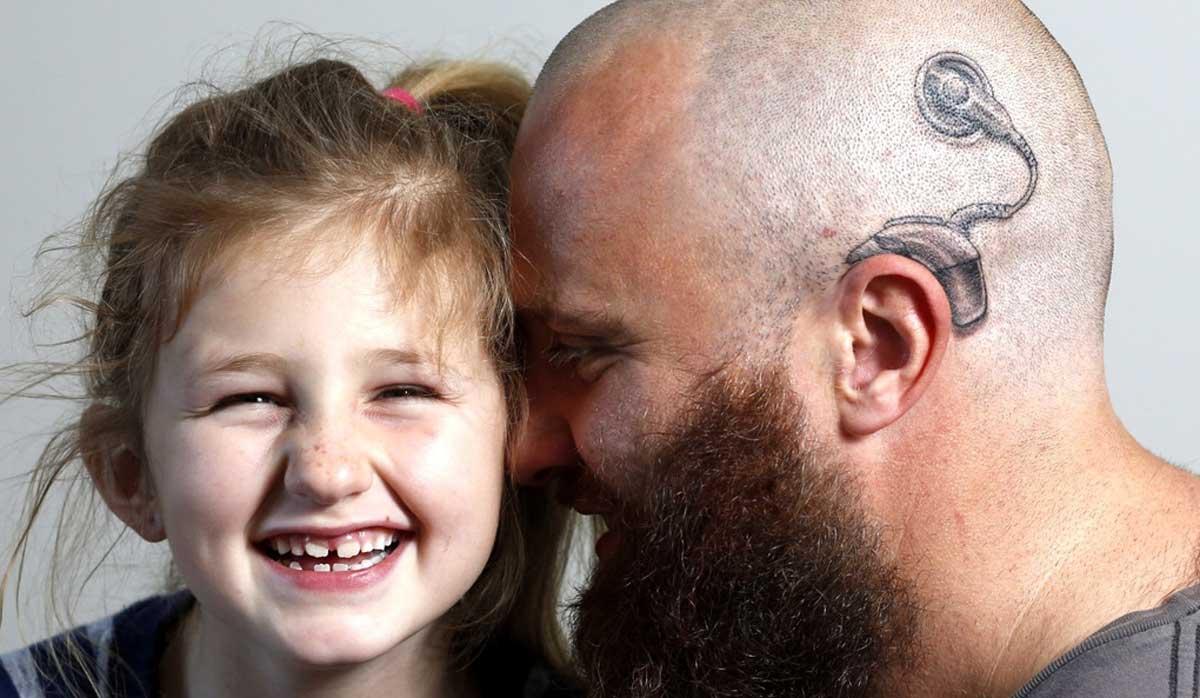 Este pai fez uma adorável tatuagem para mostrar apoio a filha