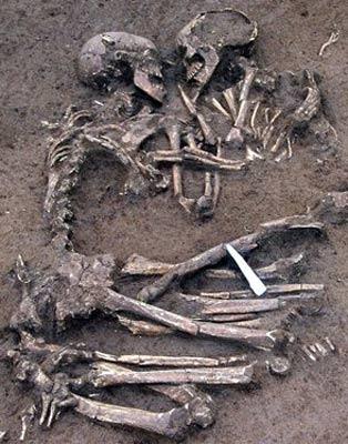 Abraço de seis mil anos