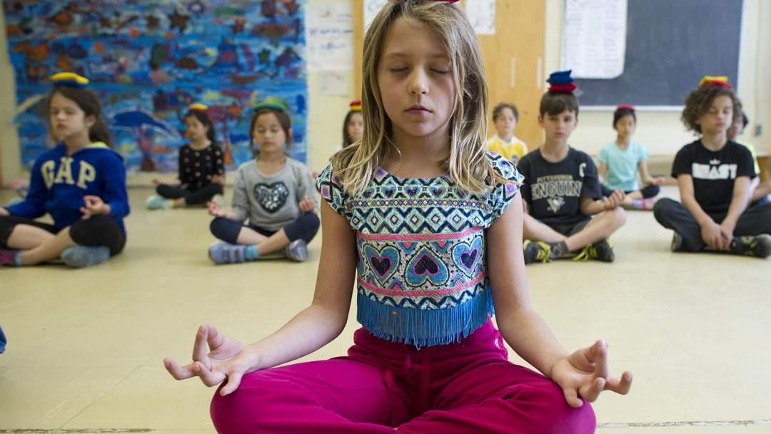 Veja o que acontece quando uma escola substiui castigos por sessões de meditação 01