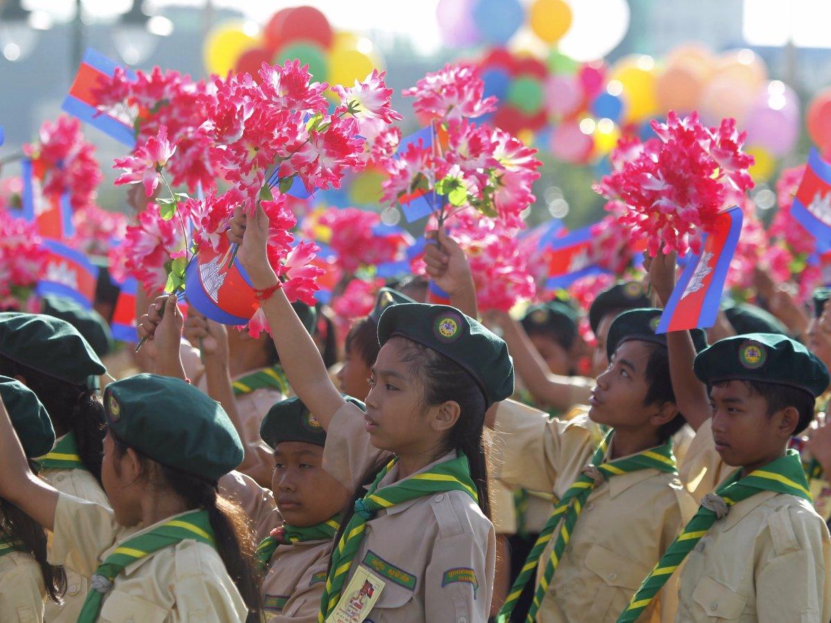 Como são os uniformes escolares em alguns países ao redor do mundo 10