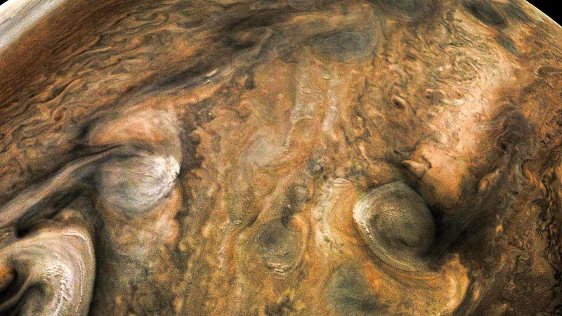 É a Glória: A sonda Juno voltou a completar uma órbita ao redor de Júpiter 06