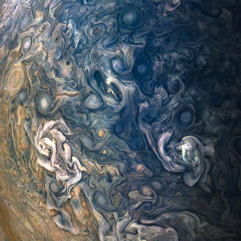 É a Glória: A sonda Juno voltou a completar uma órbita ao redor de Júpiter 09