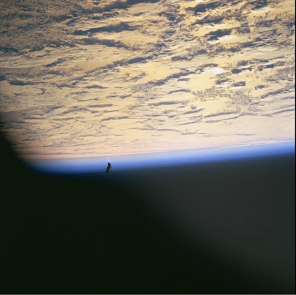 NASA elimina imagem onde aparece suposta nave extraterrestre visitando a Terra
