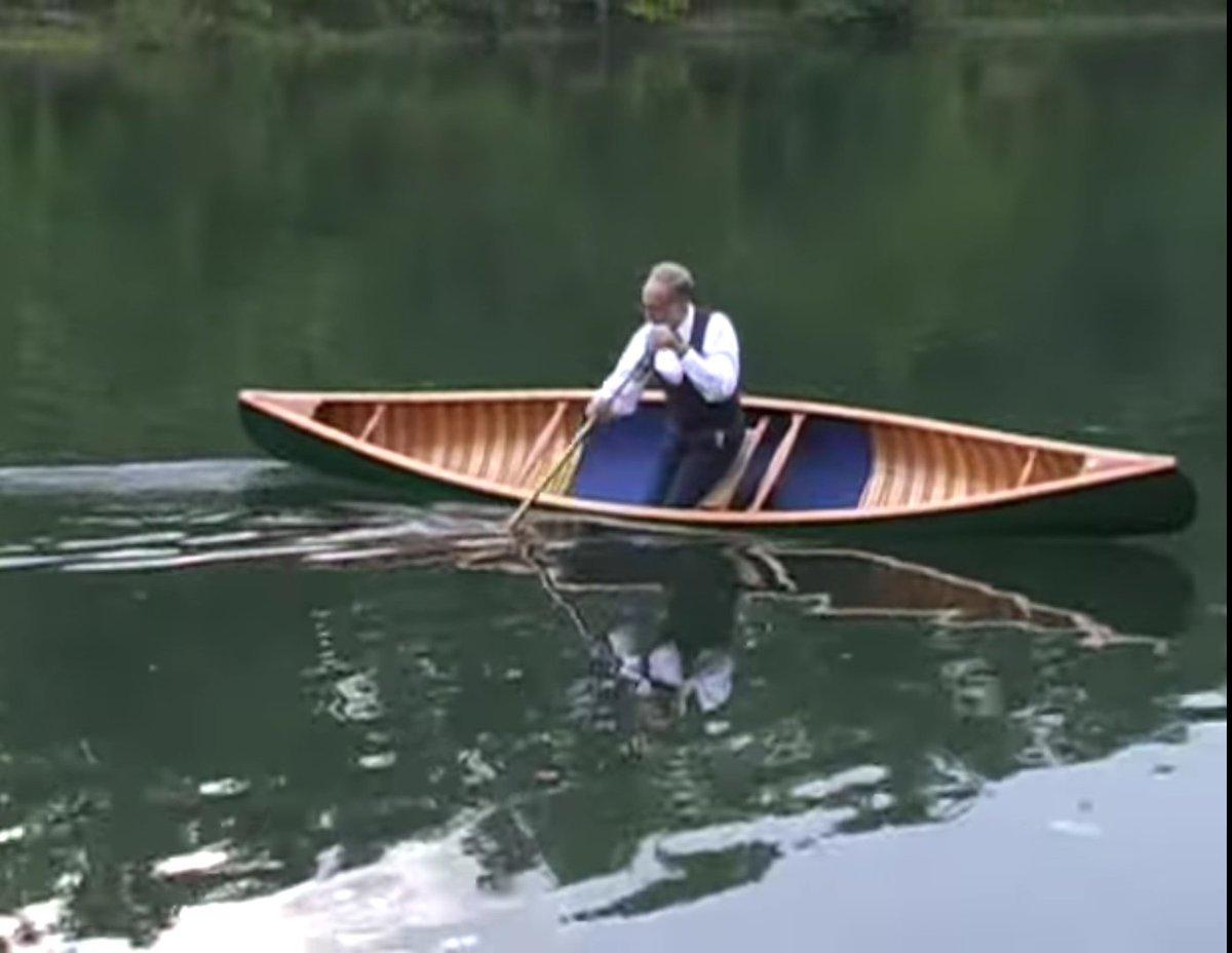 Veja como este 'cavalheiro' pratica canoagem estilo livre ao som de 'Lady In Red'