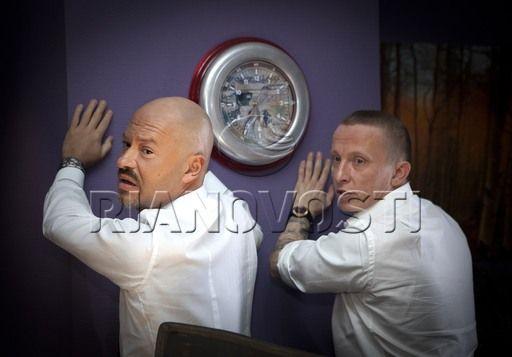 Quer saber se atrai as mulheres? Não olhe para o espelho, olhe para as mãos 23
