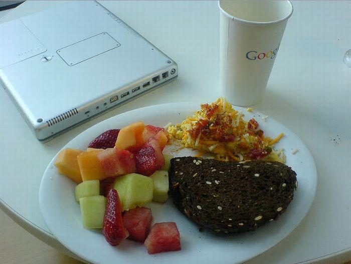Lanches servidos no restaurante da Google 33
