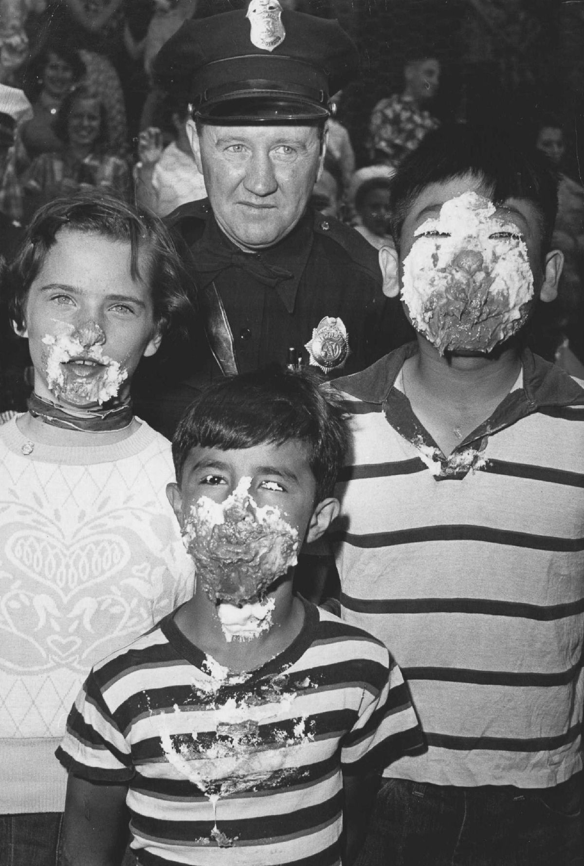 Tente não engasgar com essas fotos antigas de concursos de comilança 13