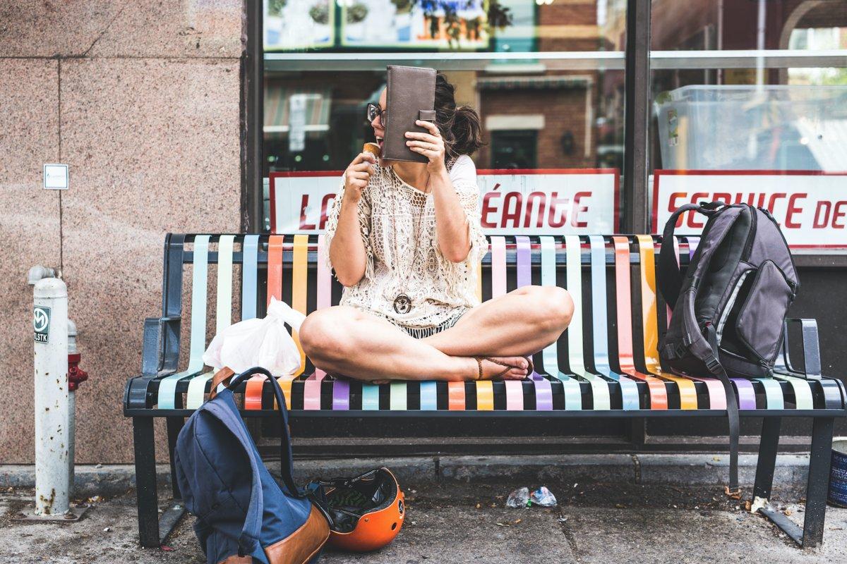 Ela odeia as câmeras, mas seu namorado fotógrafo sabe aproveitar seu melhor lado 09