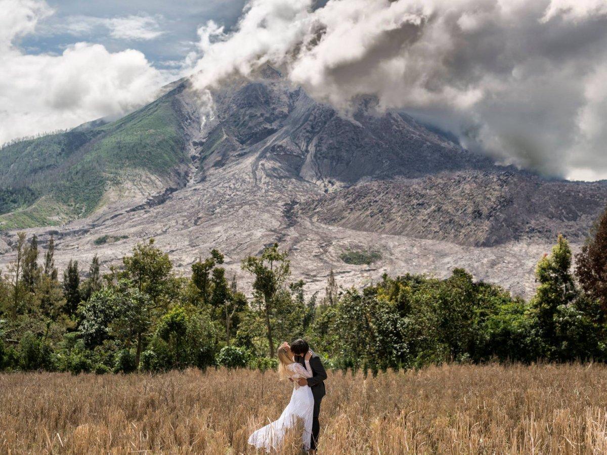Casal tirou fotos de tirar o fôlego em 11 países diferentes para criar o melhor álbum de casamento 05