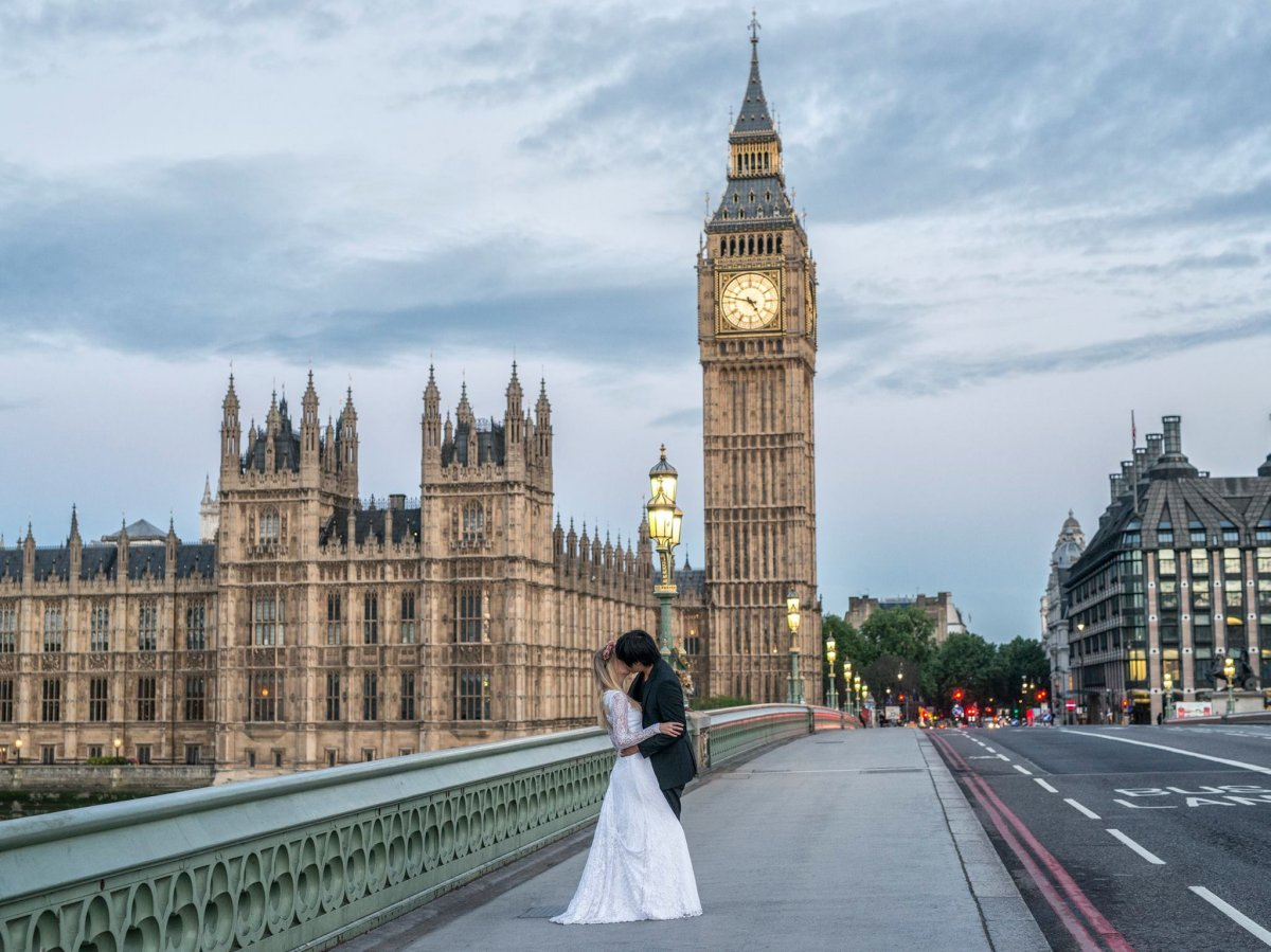 Casal tirou fotos de tirar o fôlego em 11 países diferentes para criar o melhor álbum de casamento 06
