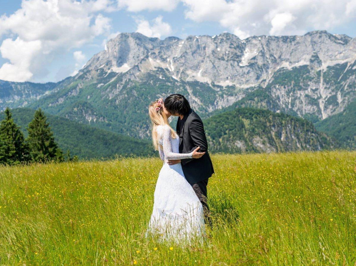 Casal tirou fotos de tirar o fôlego em 11 países diferentes para criar o melhor álbum de casamento 10