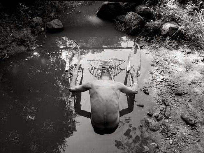 Fotos em P&B fantasticamente estranhas 36