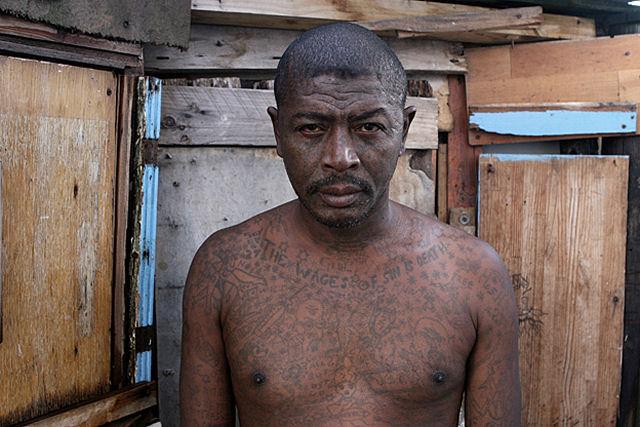 Membros de gangues sul-africanas voltam à sociedade 12