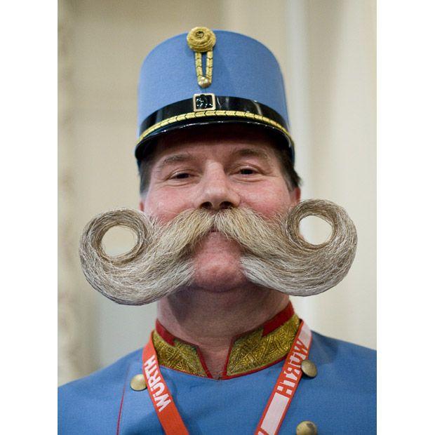 Campeonato de bigodes e barbas 01