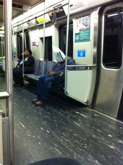 Gente esquisita dos transportes públicos 12