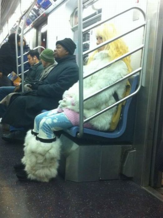 Gente esquisita dos transportes públicos 15
