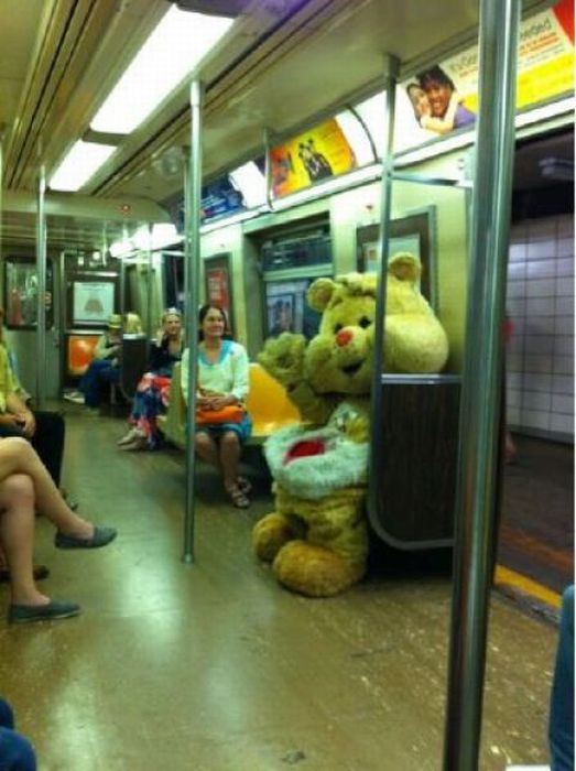 Gente esquisita dos transportes públicos 18