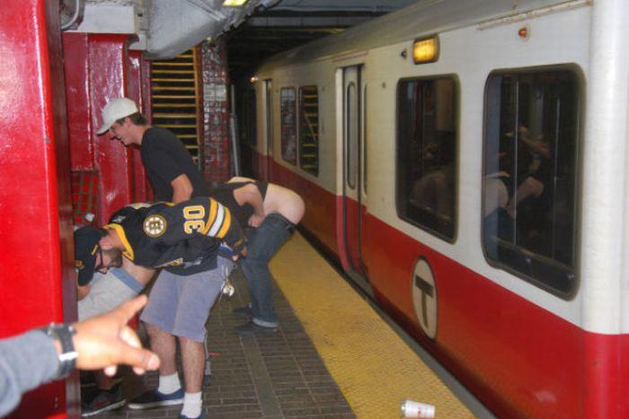 Gente esquisita dos transportes públicos 19