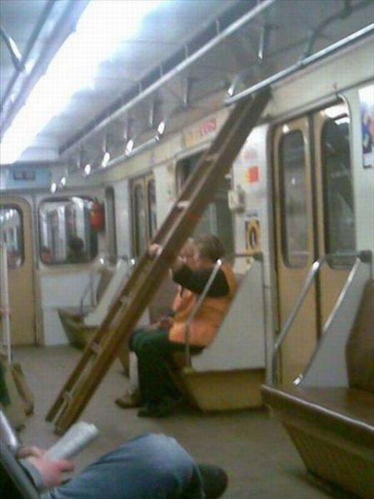 Gente esquisita dos transportes públicos 27