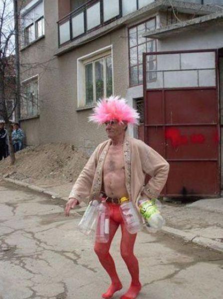 Gente estranha com roupa muito esquisita 20