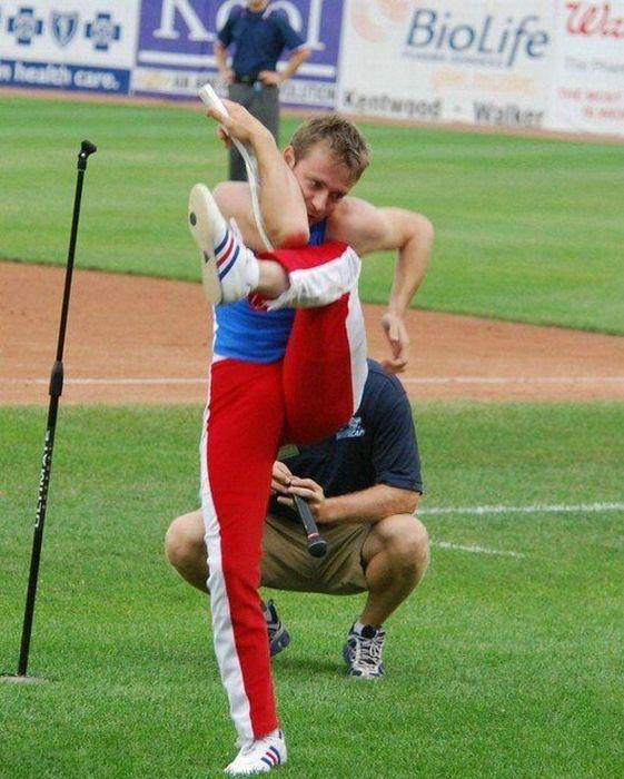Um cara muito flexível 06