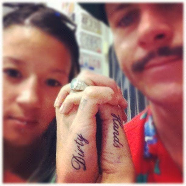 Tatuagens de casal terríveis 03