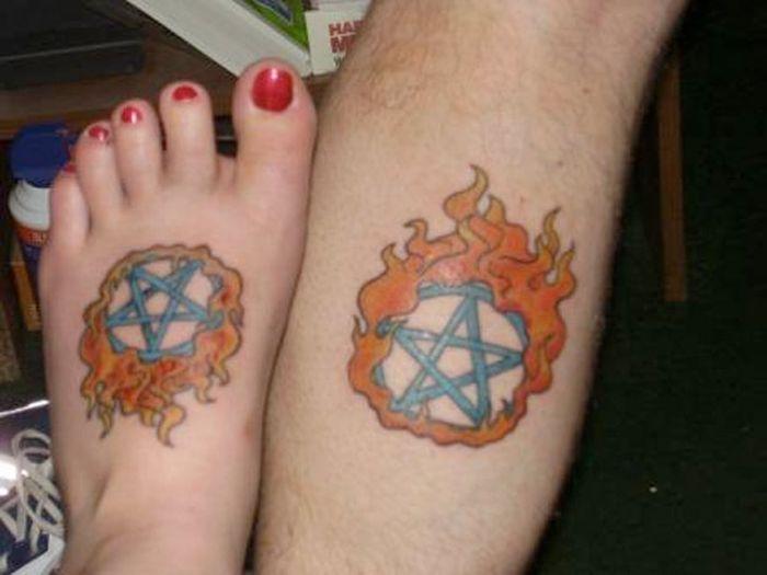 Tatuagens de casal terríveis 23