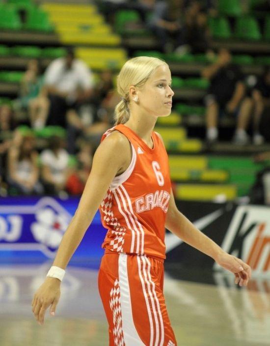 Antonia Misura - a musa dos Jogos Olímpicos 25