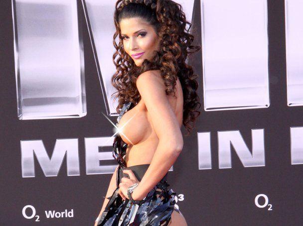 """Micaela Schaefer usando um vestido sexy na première de """"Men in Black"""" 3 na Alemanha 06"""