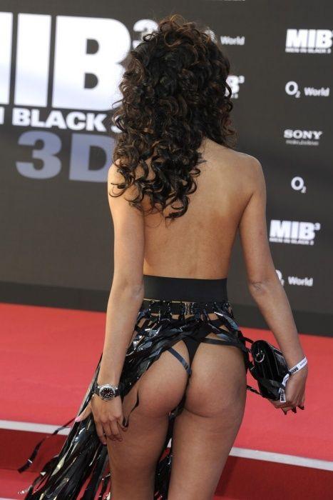 """Micaela Schaefer usando um vestido sexy na première de """"Men in Black"""" 3 na Alemanha 18"""
