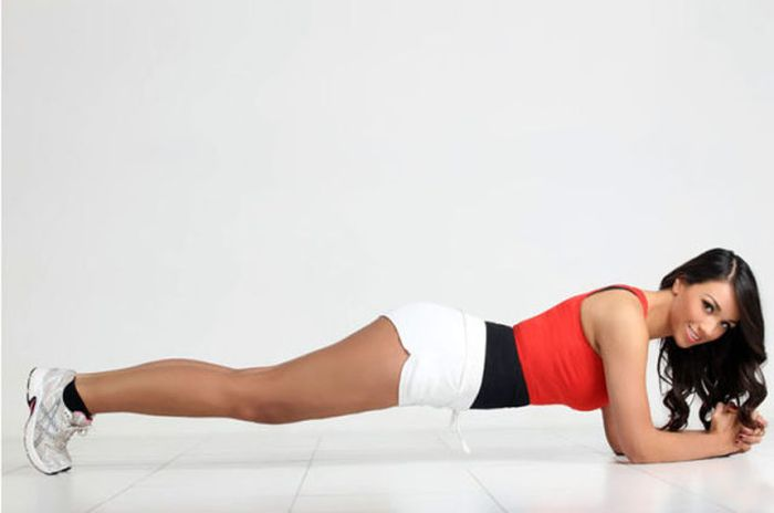 Candidata a Miss Inglaterra perde peso googleando 07