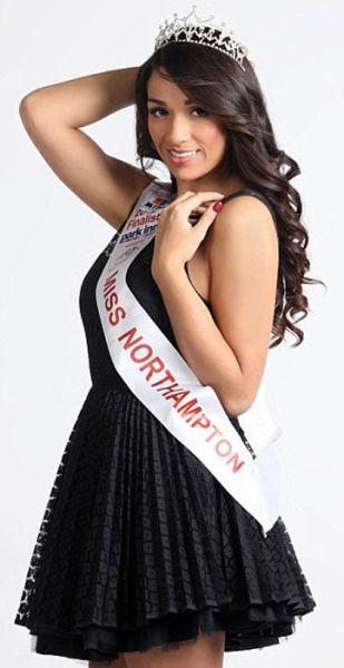 Candidata a Miss Inglaterra perde peso googleando 16