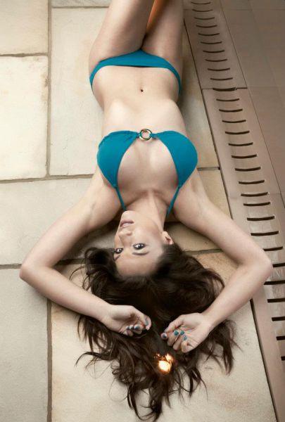 Candidata a Miss Inglaterra perde peso googleando 22