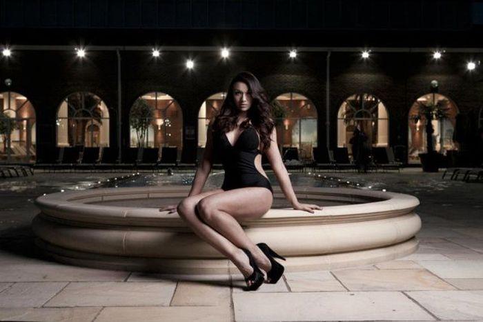 Candidata a Miss Inglaterra perde peso googleando 25