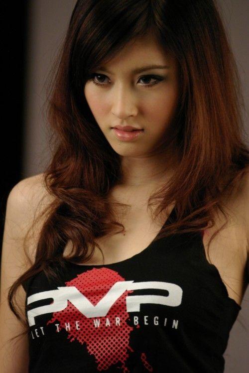 Nong Poy, uma modelo incomum da Tailândia 24