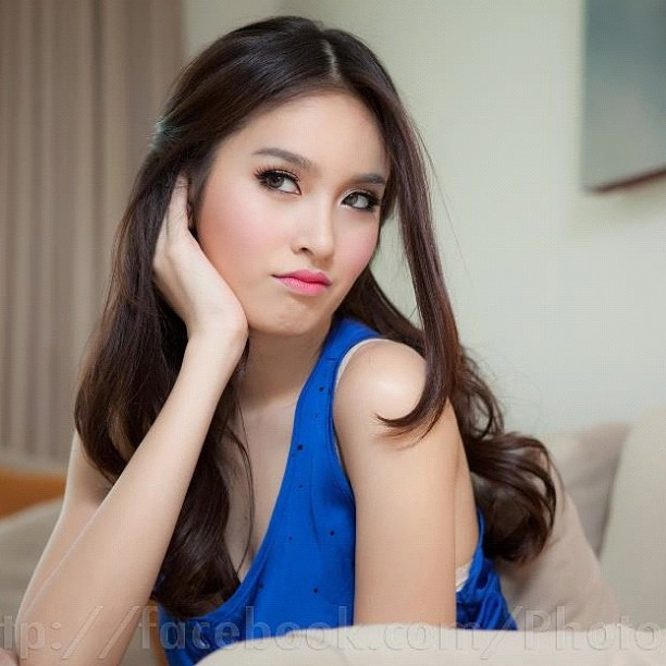 Nong Poy, uma modelo incomum da Tailândia 25