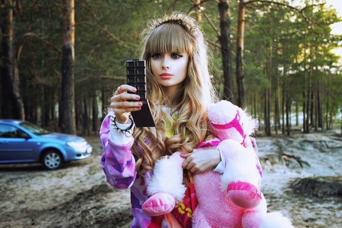 Mais fotos de Angelika Kenova, a boneca Barbie russa do mundo real 05