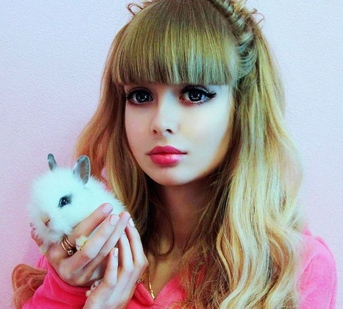 Mais fotos de Angelika Kenova, a boneca Barbie russa do mundo real 06