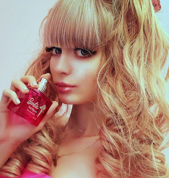 Mais fotos de Angelika Kenova, a boneca Barbie russa do mundo real 09