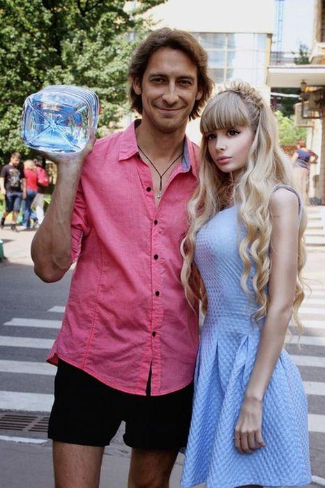 Mais fotos de Angelika Kenova, a boneca Barbie russa do mundo real 15