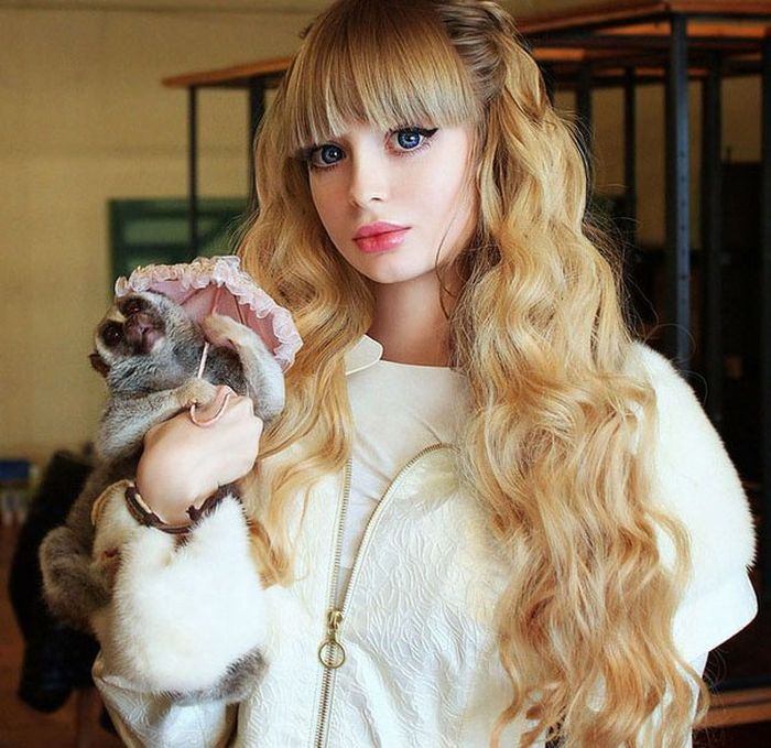 Mais fotos de Angelika Kenova, a boneca Barbie russa do mundo real 32