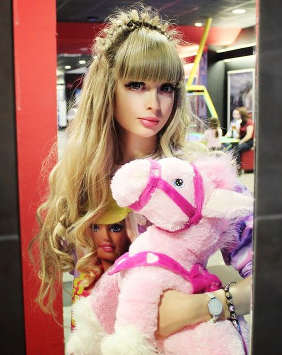 Mais fotos de Angelika Kenova, a boneca Barbie russa do mundo real 36