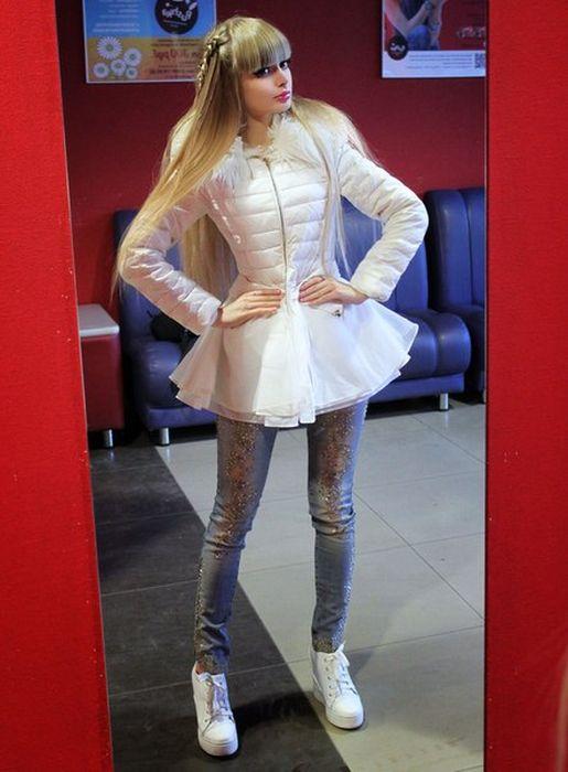 Mais fotos de Angelika Kenova, a boneca Barbie russa do mundo real 38