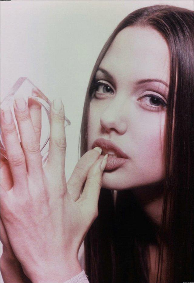 Angelina 07