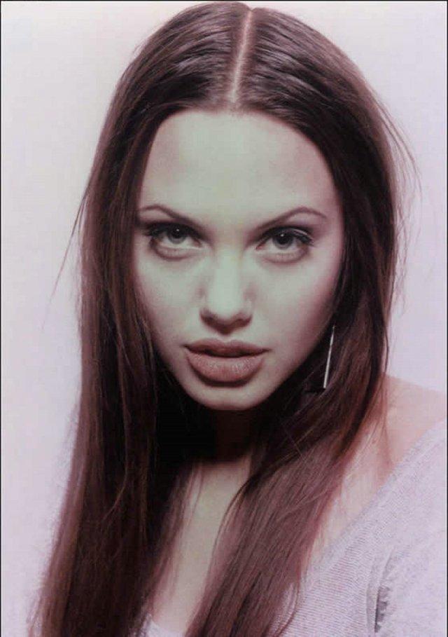 Angelina 10