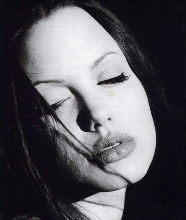 Angelina 11