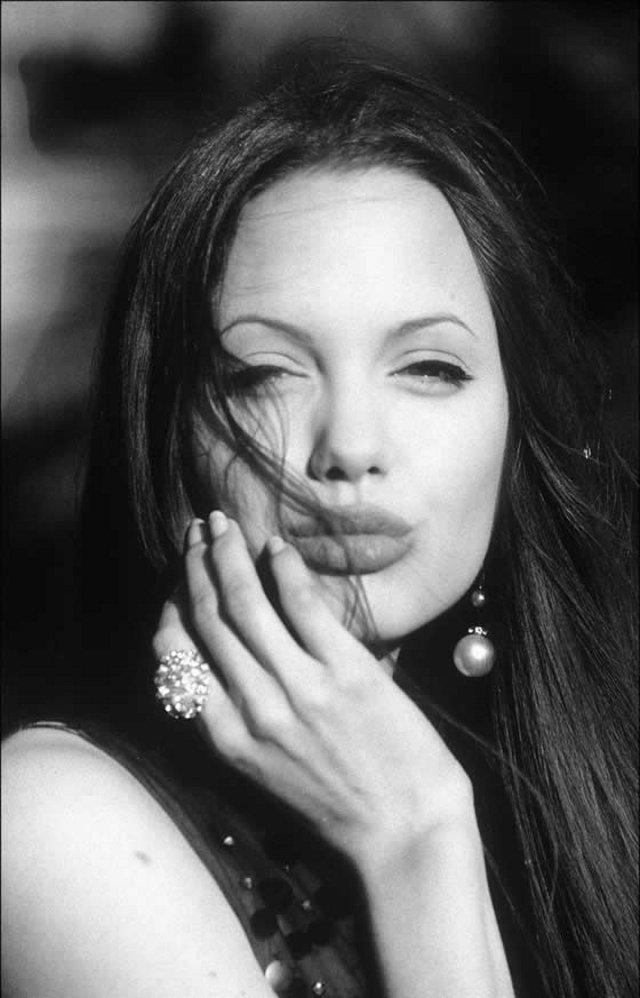Angelina 12