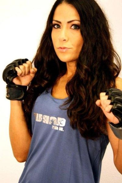 As sexy lutadoras do MMA 01