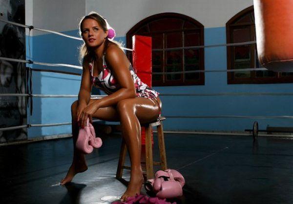 As sexy lutadoras do MMA 03